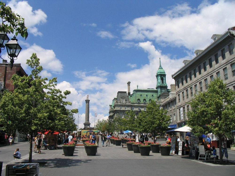 montreal-place-jaques-cartier-old-montreal